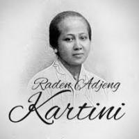 Kontes Foto Selife Kartini 2015 Sindo Trijaya Surabaya